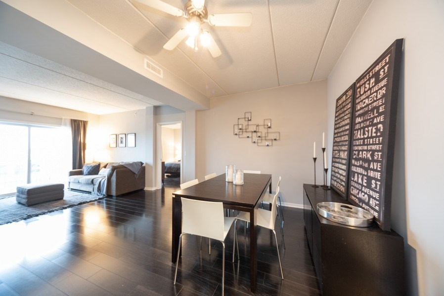 Real Estate Photography - 3401 Carriageway Drive, #406, Arlington Hts, IL, 60004 - Dining Room