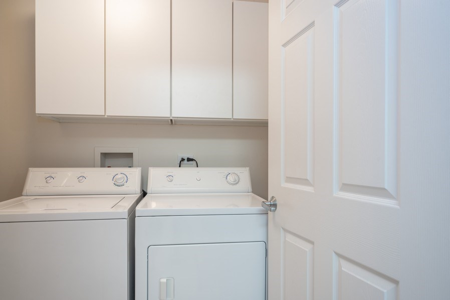 Real Estate Photography - 3401 Carriageway Drive, #406, Arlington Hts, IL, 60004 - Laundry Room