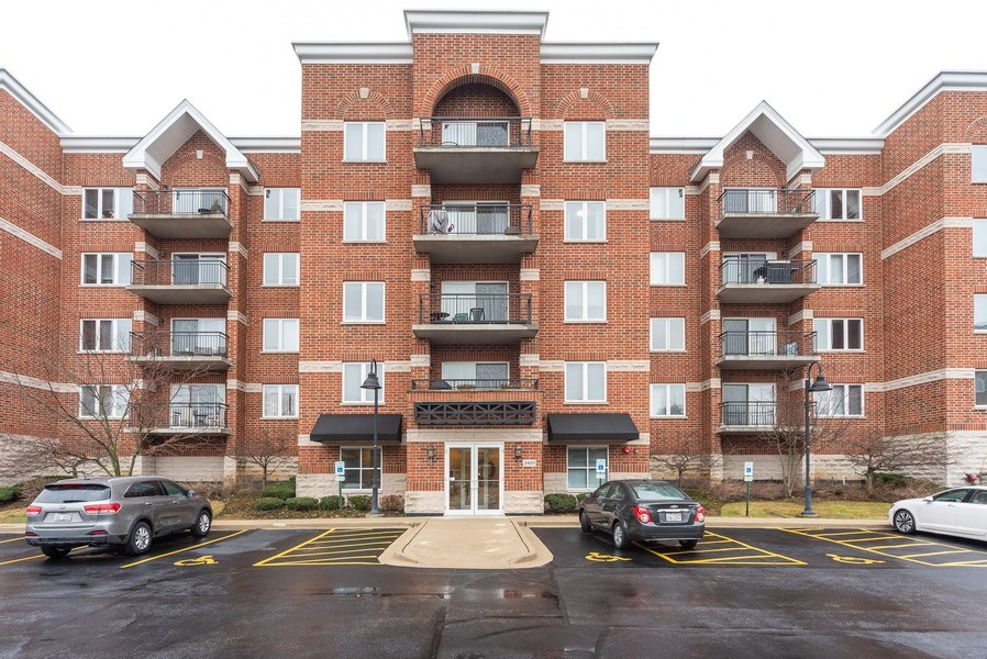 Real Estate Photography - 3401 Carriageway Drive, #406, Arlington Hts, IL, 60004 - Front View