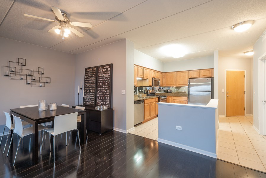 Real Estate Photography - 3401 Carriageway Drive, #406, Arlington Hts, IL, 60004 - Kitchen / Dining Room