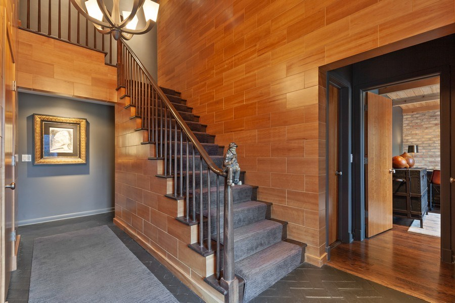 Real Estate Photography - 235 Park Ave, Highland Park, IL, 60035 - Foyer