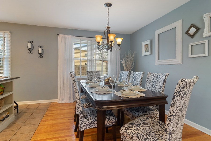 Real Estate Photography - 1530 N Pine Ave, Arlington Heights, IL, 60004 - Dining Room