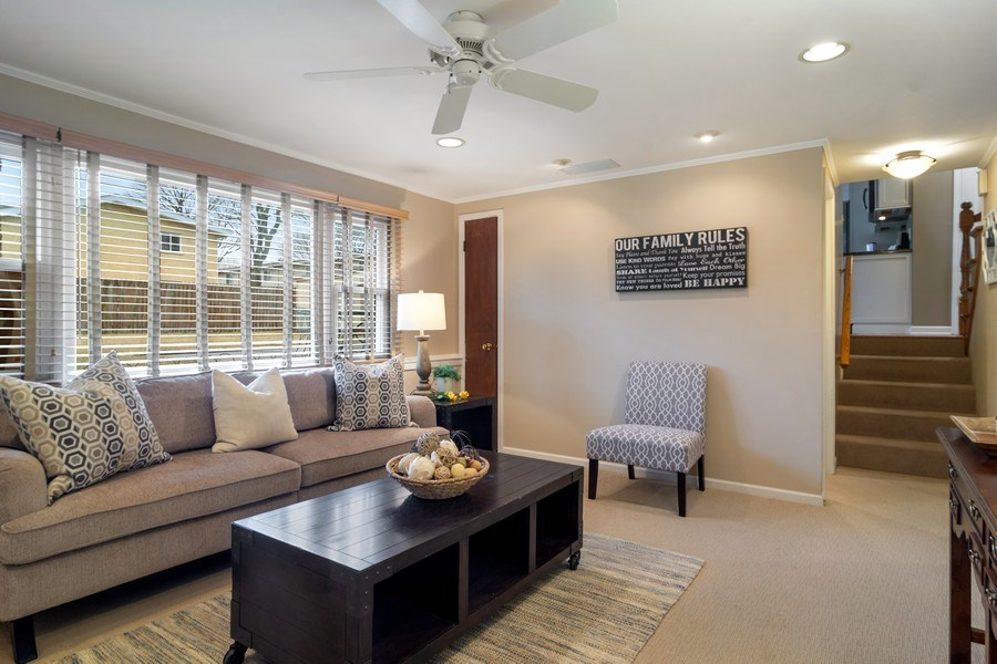 Real Estate Photography - 1530 N Pine Ave, Arlington Heights, IL, 60004 - Family Room