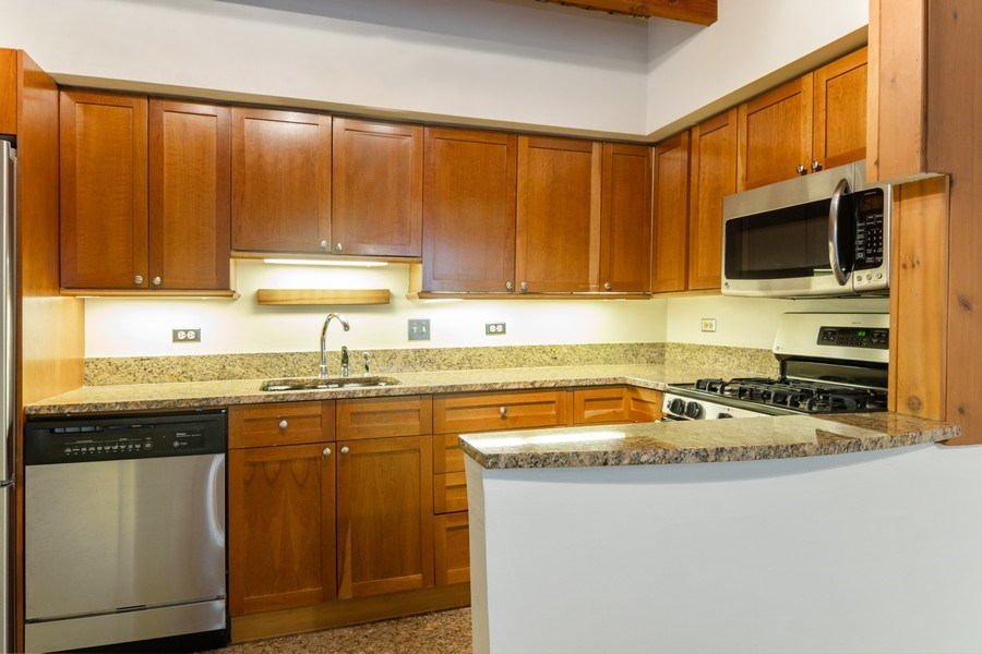 Real Estate Photography - 2646 North Wayne, Unit A, Chicago, IL, 60614 - Kitchen