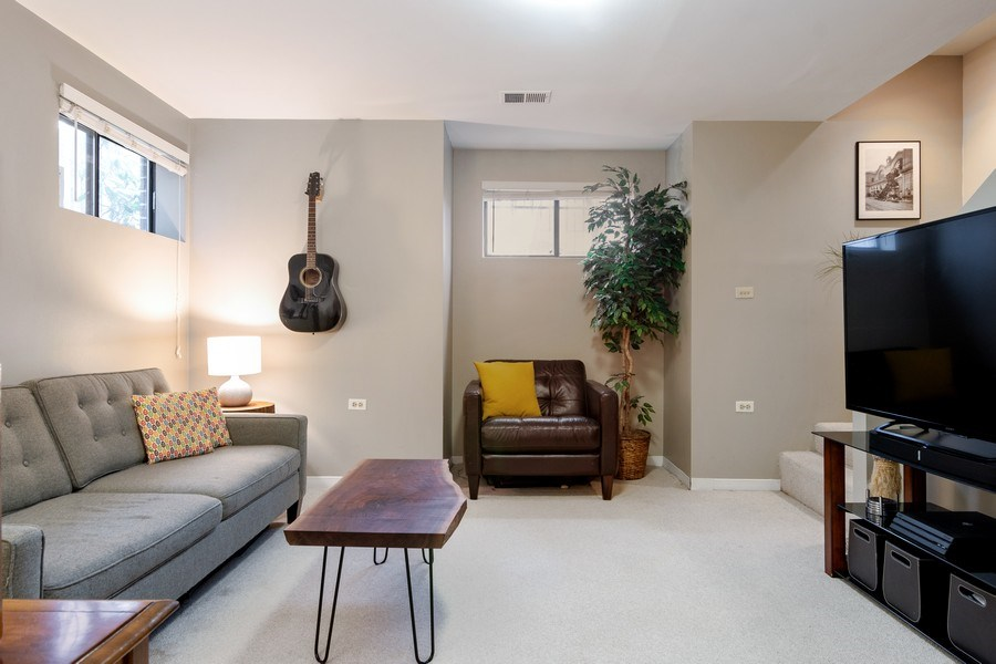 Real Estate Photography - 2646 North Wayne, Unit A, Chicago, IL, 60614 - Family Room