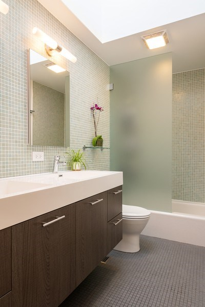 Real Estate Photography - 2646 North Wayne, Unit A, Chicago, IL, 60614 - Bathroom