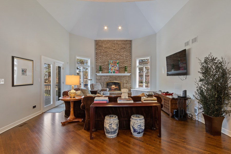 Real Estate Photography - 1085 Windhaven Court, Lake Forest, IL, 60045 - Family Room