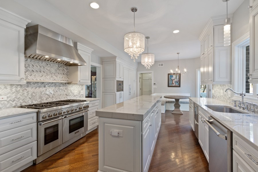 Real Estate Photography - 1085 Windhaven Court, Lake Forest, IL, 60045 - Kitchen