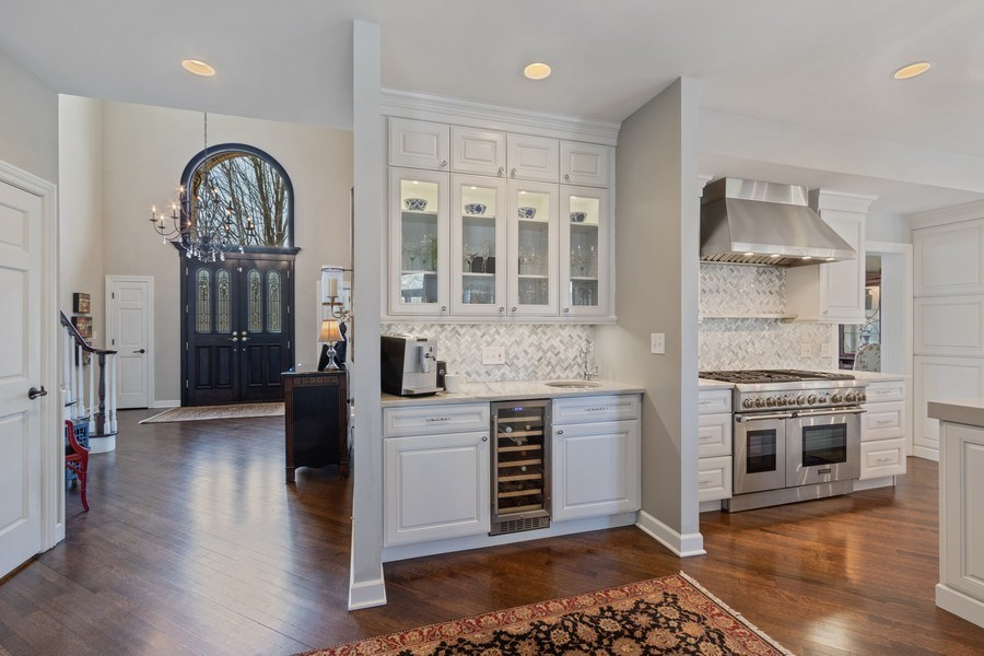 Real Estate Photography - 1085 Windhaven Court, Lake Forest, IL, 60045 - Bar