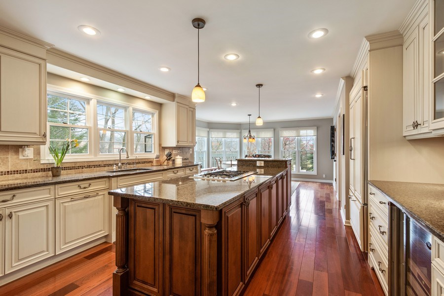 Real Estate Photography - 659 New Bridge Court, Barrington, IL, 60010 - Kitchen / Breakfast Room