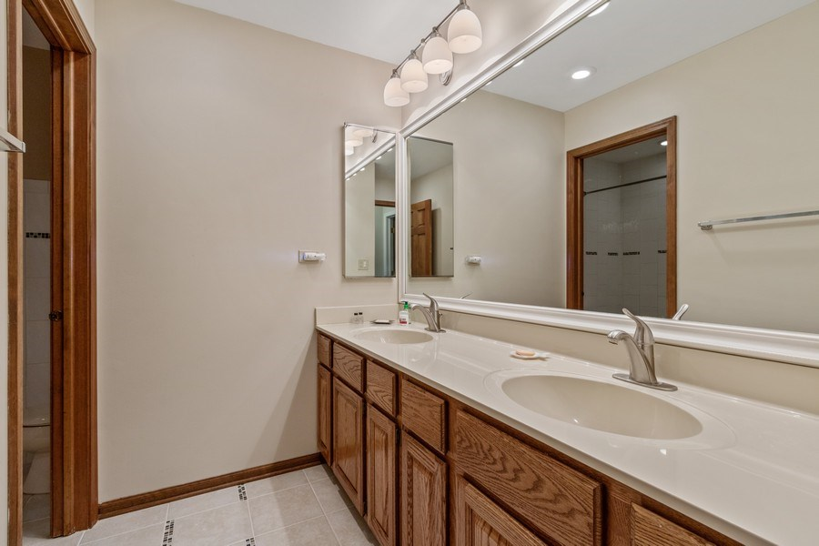 Real Estate Photography - 659 New Bridge Court, Barrington, IL, 60010 - 2nd Bathroom