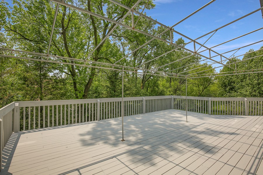 Real Estate Photography - 659 New Bridge Court, Barrington, IL, 60010 - Deck