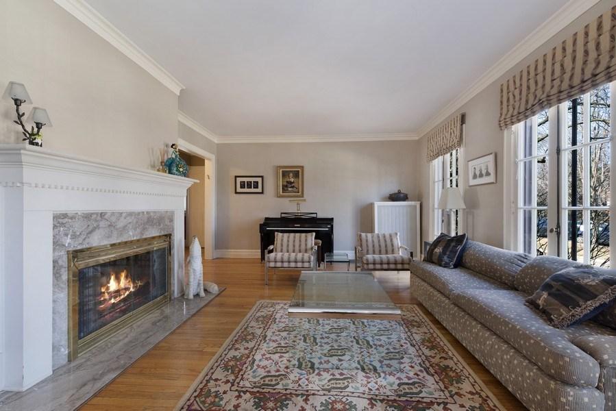 Real Estate Photography - 428 Elder Ln., Winnetka, IL, 60093 - Living Room