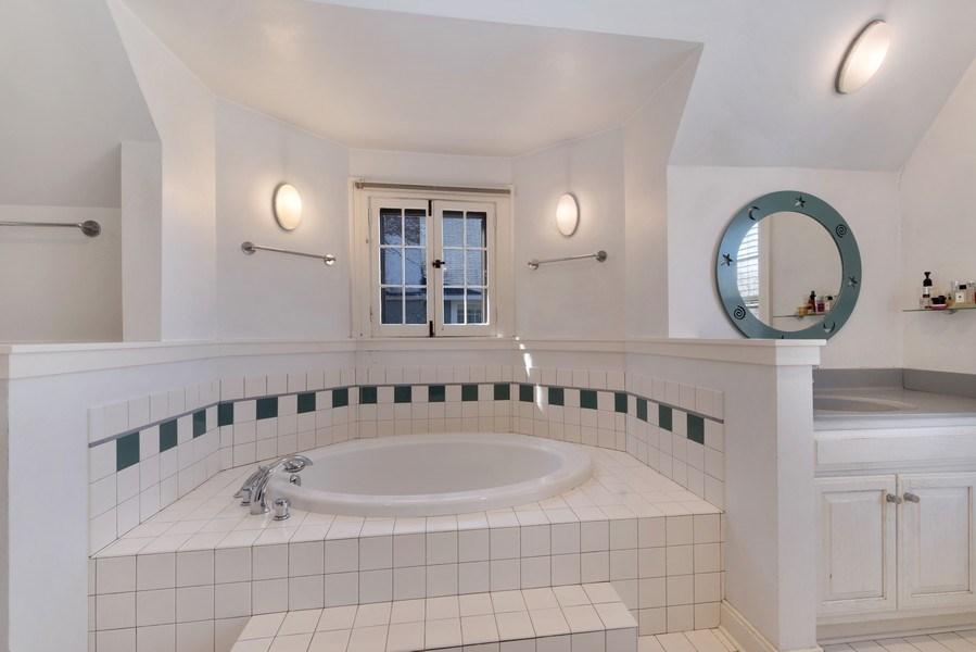 Real Estate Photography - 428 Elder Ln., Winnetka, IL, 60093 - Master Bathroom