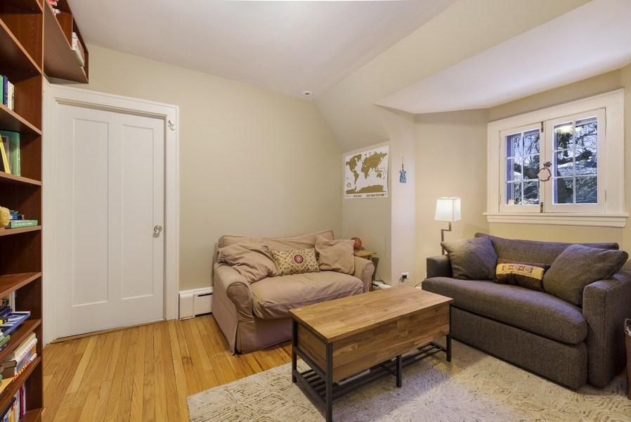 Real Estate Photography - 428 Elder Ln., Winnetka, IL, 60093 - 2nd Floor Sitting Room