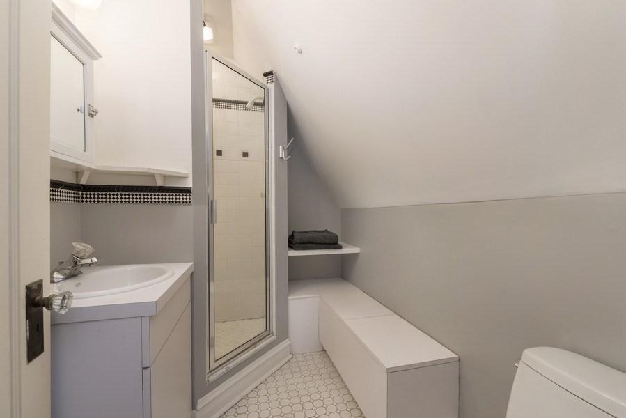 Real Estate Photography - 428 Elder Ln., Winnetka, IL, 60093 - 3rd Floor Bathroom