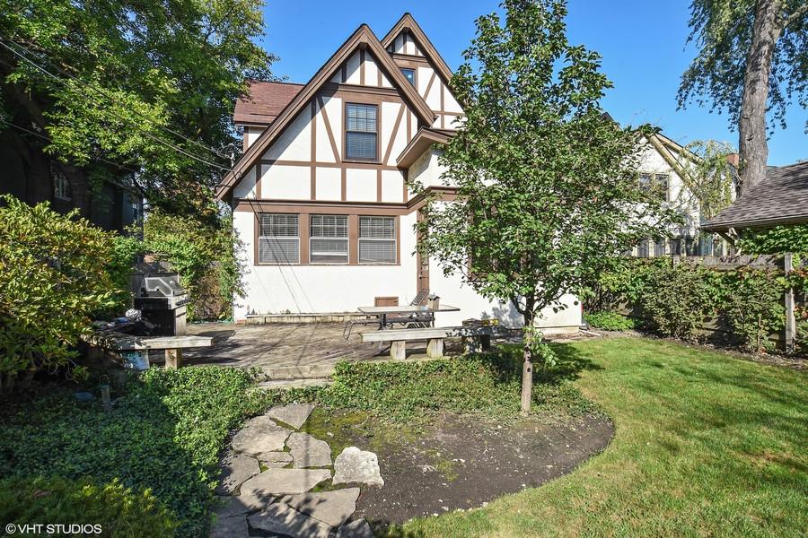 Real Estate Photography - 428 Elder Ln., Winnetka, IL, 60093 - Back and Deck