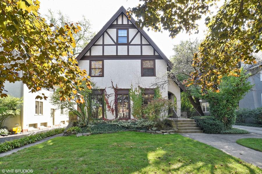 Real Estate Photography - 428 Elder Ln., Winnetka, IL, 60093 -