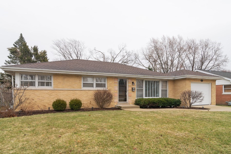 Real Estate Photography - 217 S. Patton Ave., Arlington Heights, IL, 60005 - Front View
