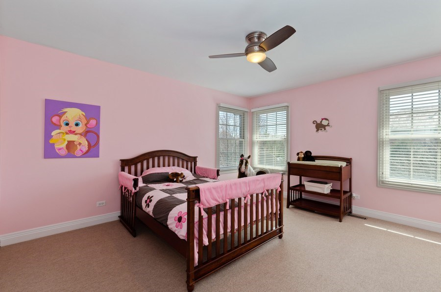 Real Estate Photography - 1601 Cabot Ln, Glenview, IL, 60026 - 3rd Bedroom