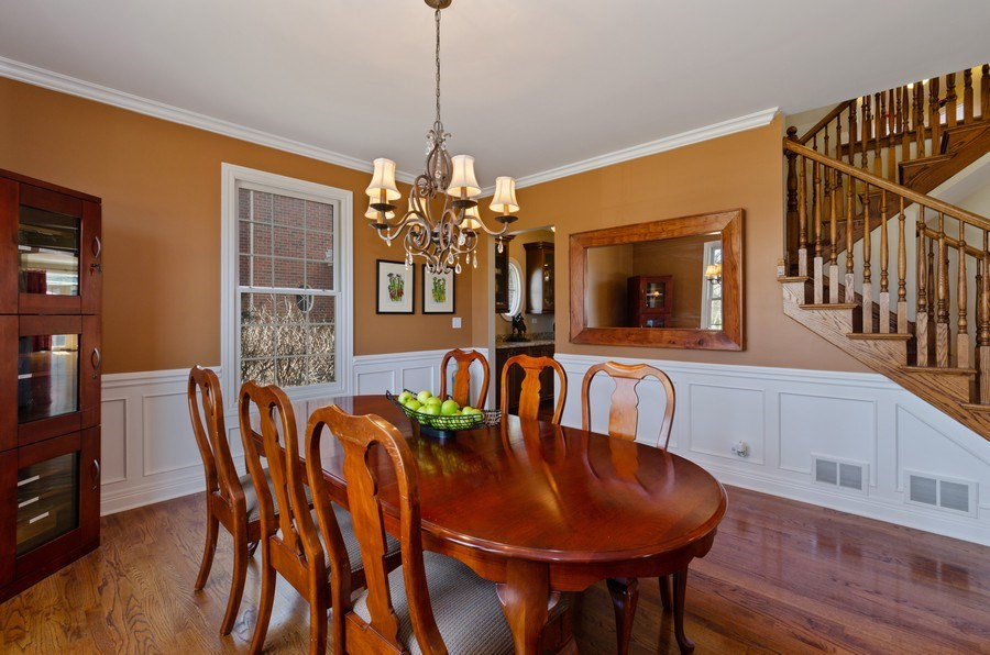 Real Estate Photography - 1601 Cabot Ln, Glenview, IL, 60026 - Dining Room
