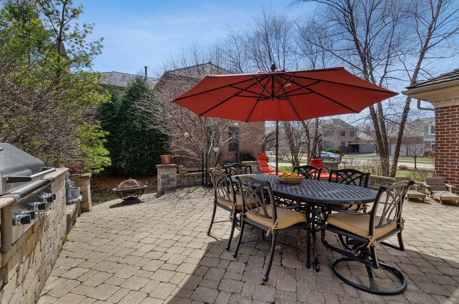 Real Estate Photography - 1601 Cabot Ln, Glenview, IL, 60026 - Patio