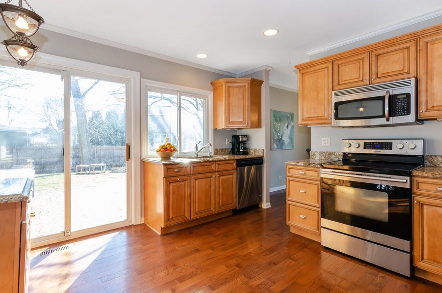Real Estate Photography - 16 S. Birchwood Dr., Naperville, IL, 60540 - Kitchen