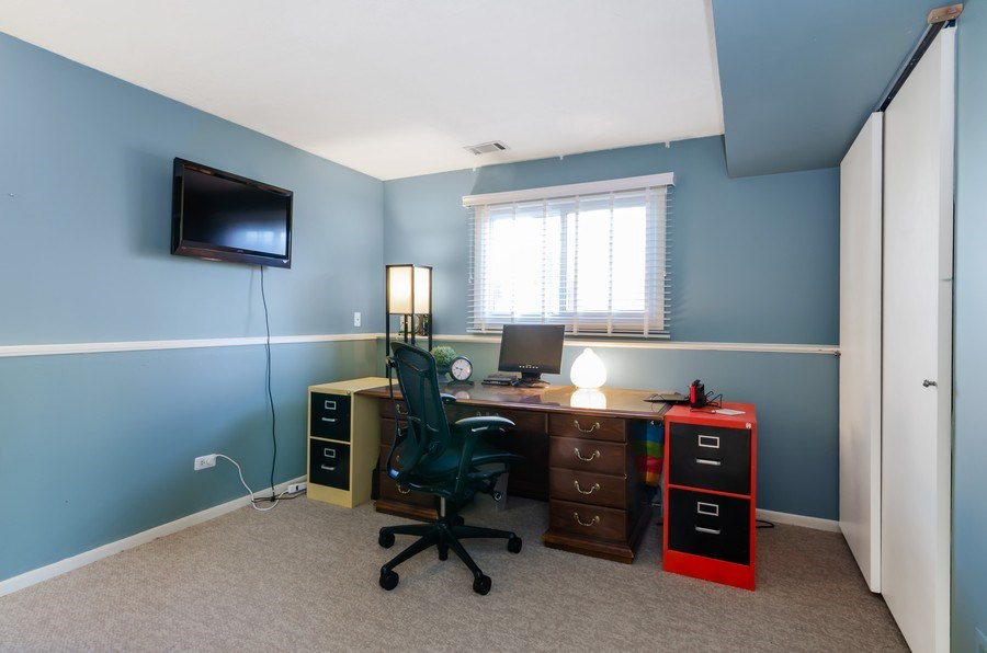 Real Estate Photography - 16 S. Birchwood Dr., Naperville, IL, 60540 - Office