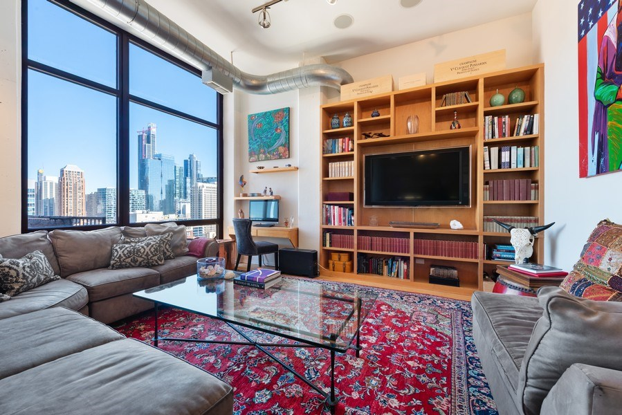 Real Estate Photography - 1530 S State 18 G, Chicago, IL, 60605 - Living Room
