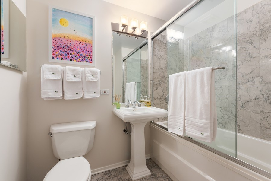 Real Estate Photography - 1530 S State 18 G, Chicago, IL, 60605 - 3rd Bathroom