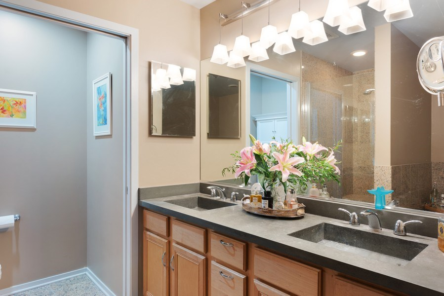 Real Estate Photography - 1530 S State 18 G, Chicago, IL, 60605 - Master Bathroom