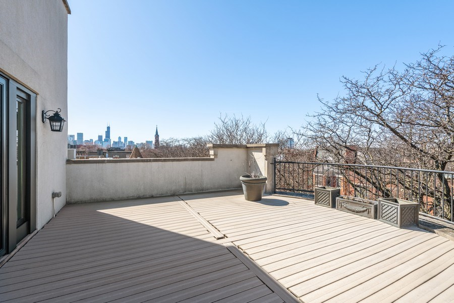 Real Estate Photography - 1939 N Hudson Ave, Chicago, IL, 60614 - Penthouse Terrace West