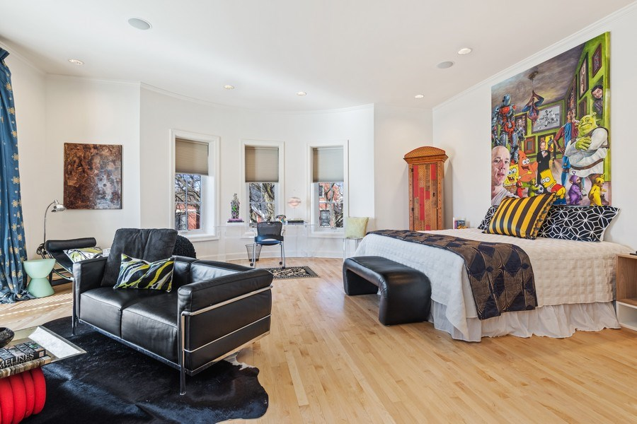 Real Estate Photography - 1939 N Hudson Ave, Chicago, IL, 60614 - Master Bedroom