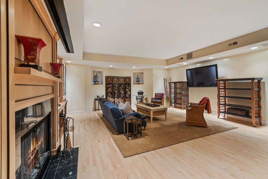 Real Estate Photography - 1939 N Hudson Ave, Chicago, IL, 60614 - Lower Level