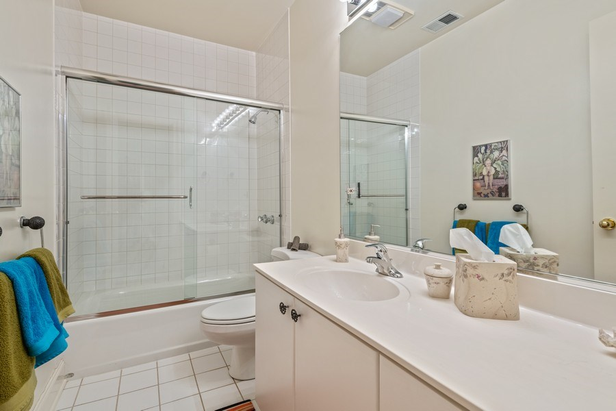 Real Estate Photography - 1939 N Hudson Ave, Chicago, IL, 60614 - In-law suite bath