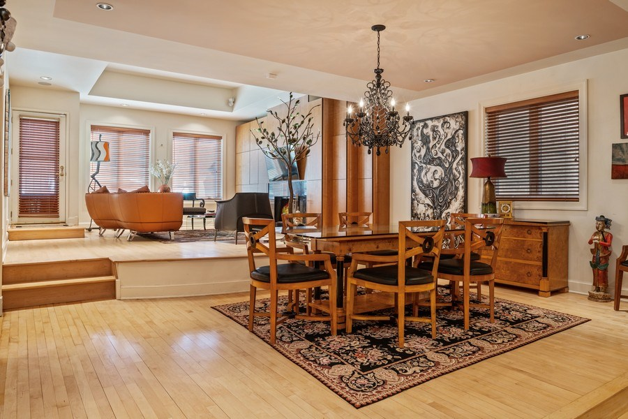 Real Estate Photography - 1939 N Hudson Ave, Chicago, IL, 60614 - Breakfast Area