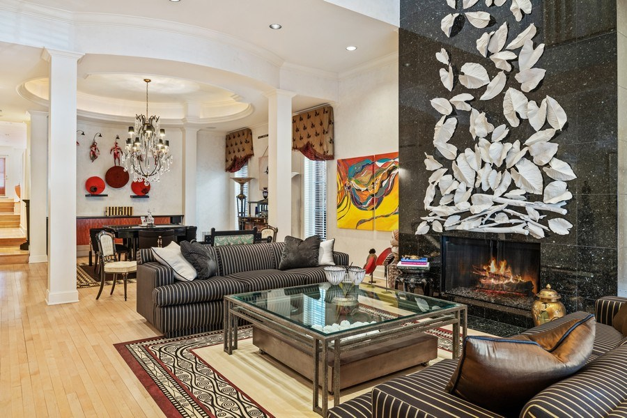 Real Estate Photography - 1939 N Hudson Ave, Chicago, IL, 60614 - Living Room / Dining Room