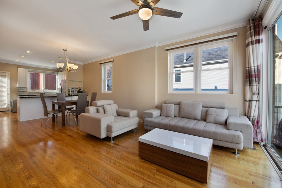 Real Estate Photography - 1833 Oakdale Ave Unit A, Chicago, IL, 60657 - Living Room