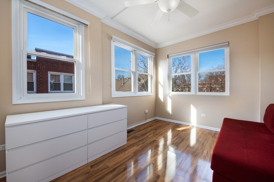 Real Estate Photography - 1833 Oakdale Ave Unit A, Chicago, IL, 60657 - 2nd Bedroom