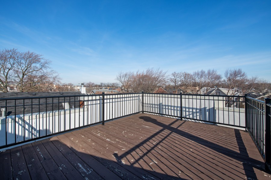Real Estate Photography - 1833 Oakdale Ave Unit A, Chicago, IL, 60657 - Roof Deck