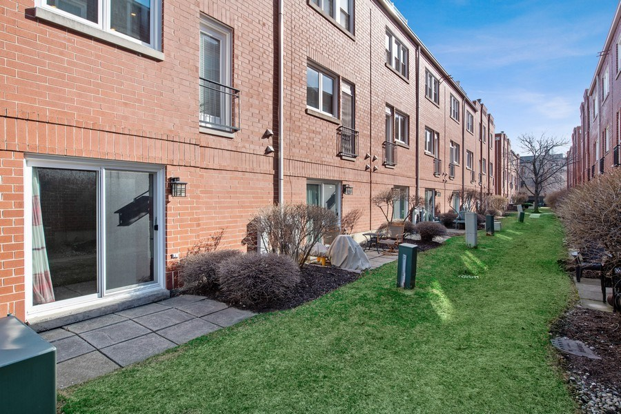 Real Estate Photography - 1833 Oakdale Ave Unit A, Chicago, IL, 60657 - Back Yard