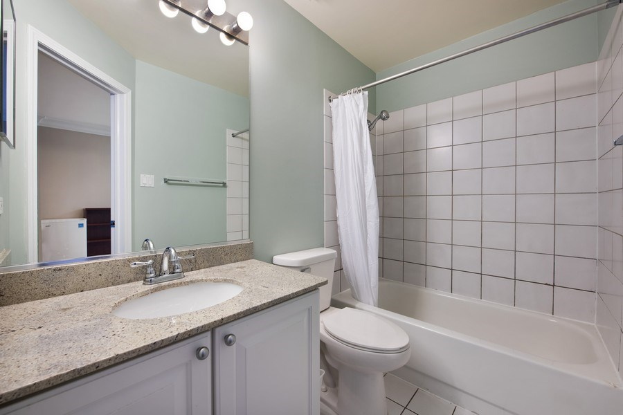 Real Estate Photography - 1833 Oakdale Ave Unit A, Chicago, IL, 60657 - 2nd Bathroom