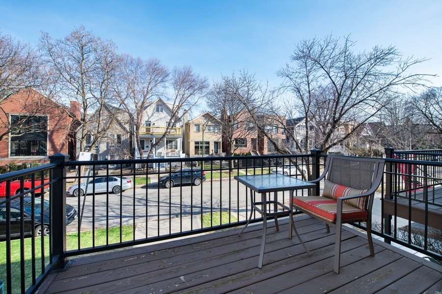 Real Estate Photography - 1833 Oakdale Ave Unit A, Chicago, IL, 60657 - Balcony