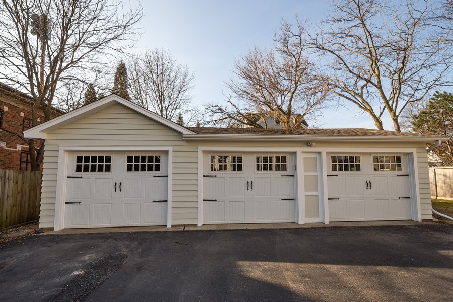 Real Estate Photography - 131 W Station St, Barrington, IL, 60010 - Garage