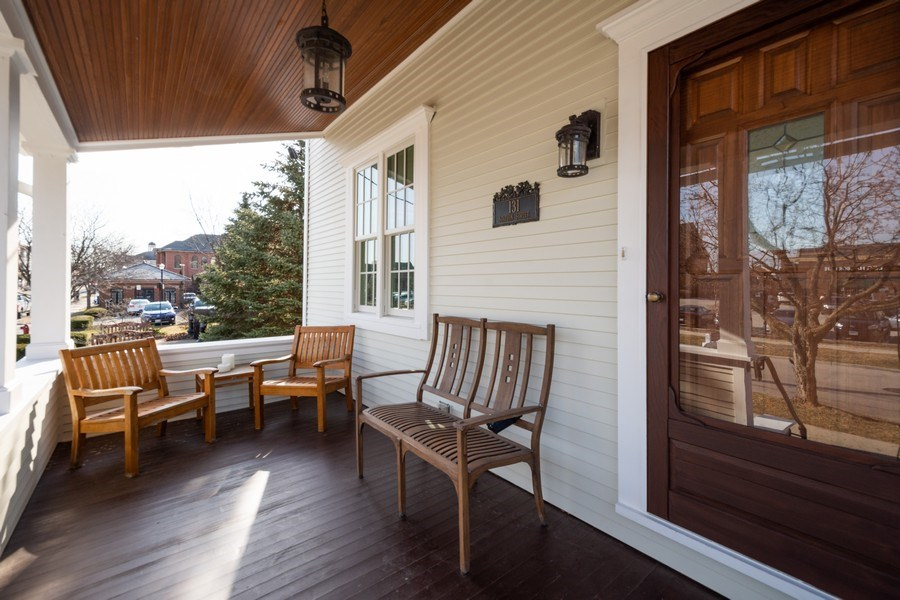 Real Estate Photography - 131 W Station St, Barrington, IL, 60010 - Porch