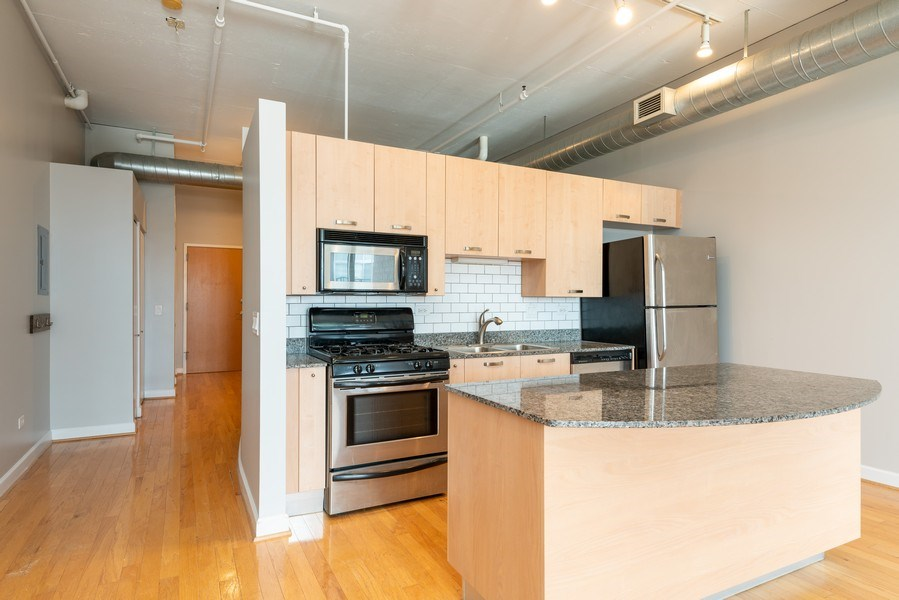Real Estate Photography - 111 S Morgan, Unit 803, Chicago, IL, 60607 - Kitchen