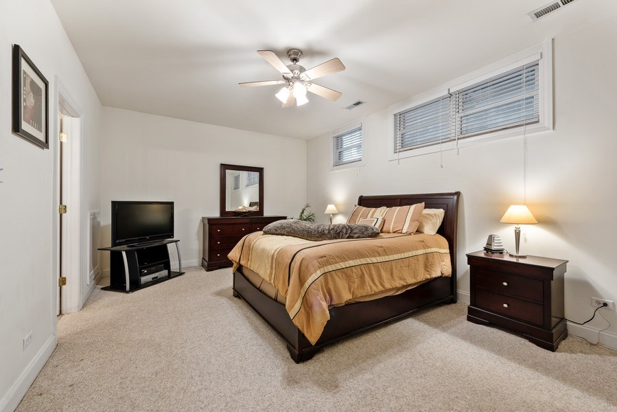Real Estate Photography - 1968 W Foster Ave, Unit D, Chicago, IL, 60640 - Master Bedroom