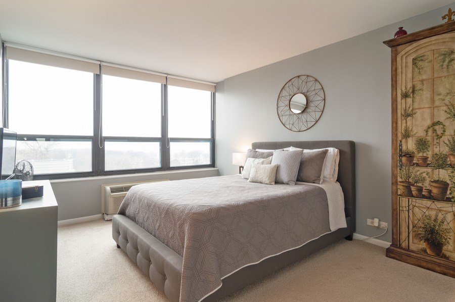 Real Estate Photography - 5100 N Marine Drive, unit 7D, chicago, IL, 60640 - Master Bedroom