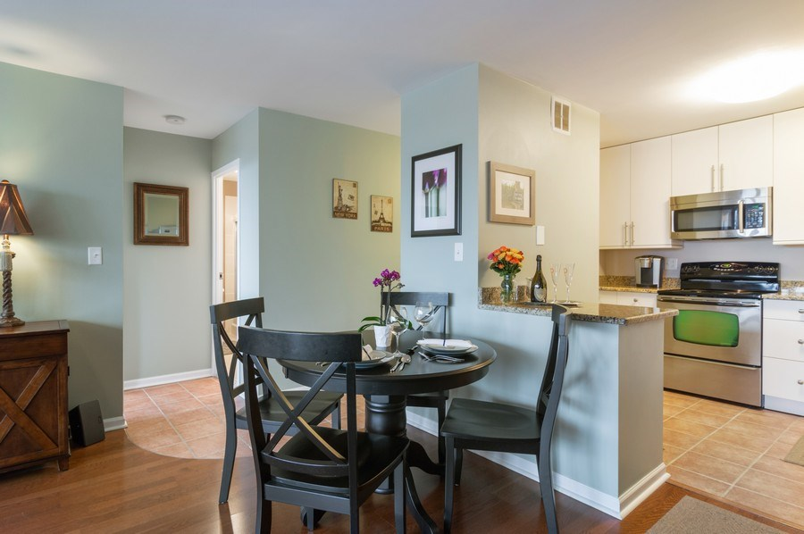Real Estate Photography - 5100 N Marine Drive, unit 7D, chicago, IL, 60640 - Dining Room