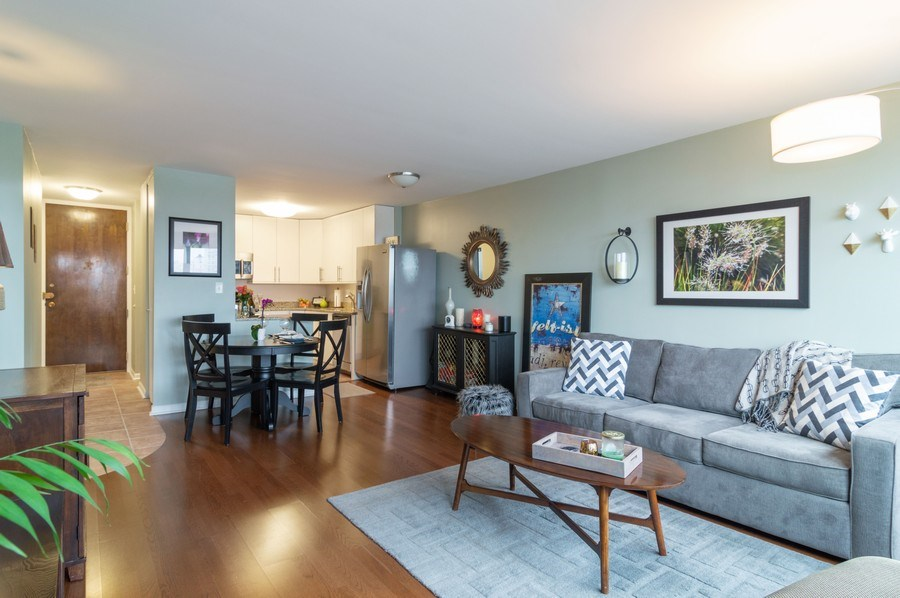 Real Estate Photography - 5100 N Marine Drive, unit 7D, chicago, IL, 60640 - Living Room / Dining Room